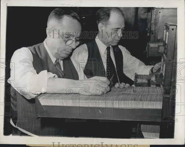 1943 Press Photo sports writer Taylor Spink and editor Edgar Brands - Historic Images