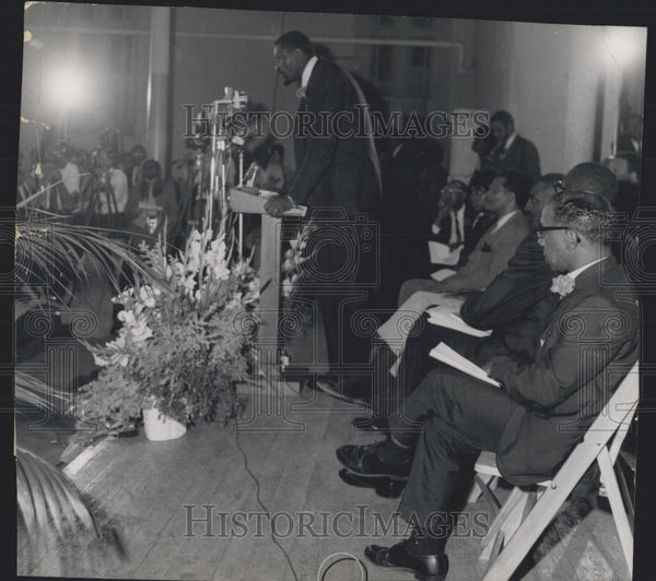 1966 Press Photo Celtics Star Bill Russell at Graduation of Patrick Cambell Scho - Historic Images