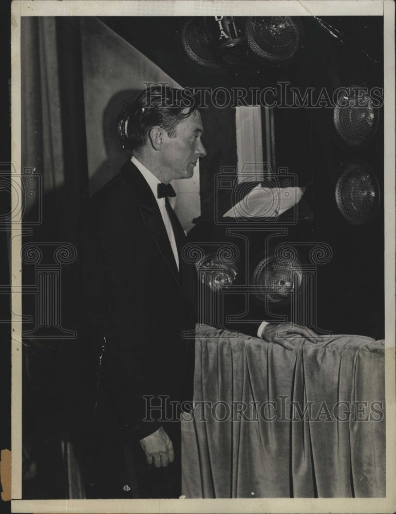 1931 Press Photo Mayor James Walker of New York in front of Photo Electric Cells - Historic Images