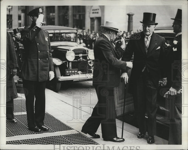 1938 Press Photo General John J Pershing being Helped Out of Car - Historic Images