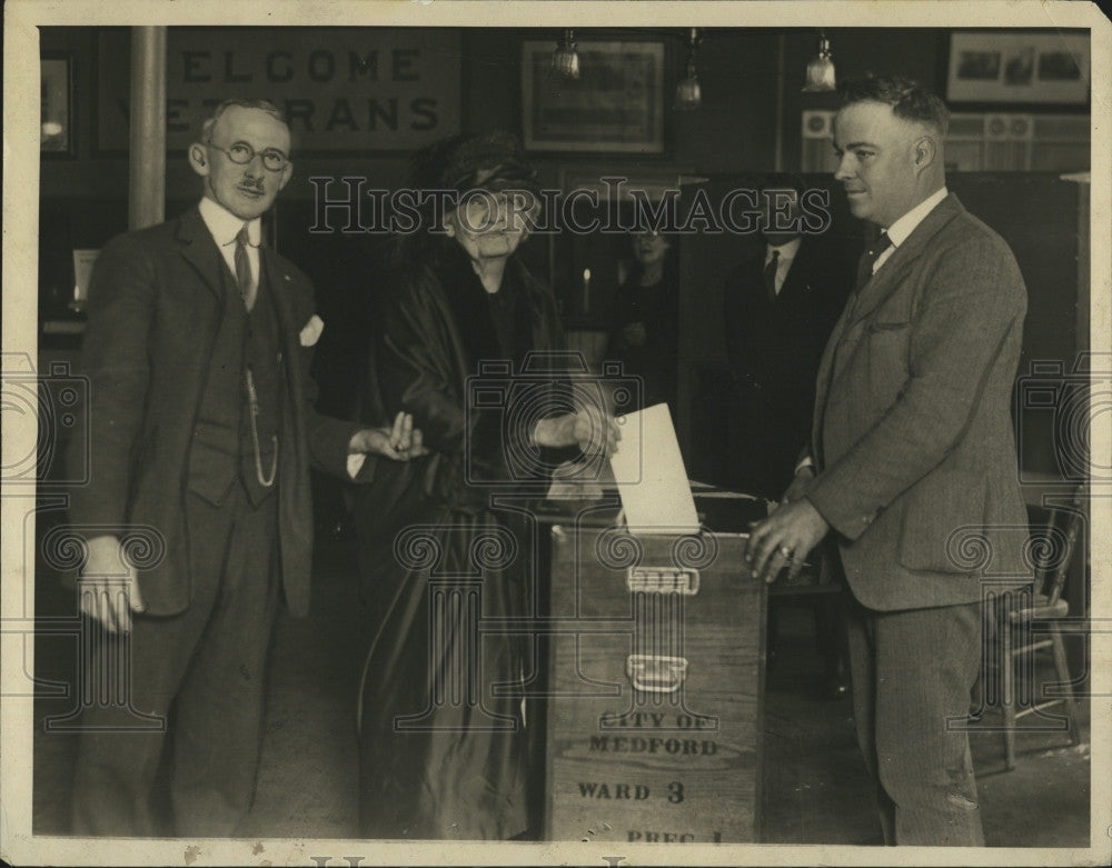 1924 Press Photo Mrs. Cecilia Coolidge, Edward Fahey, Albert Tainter - Historic Images