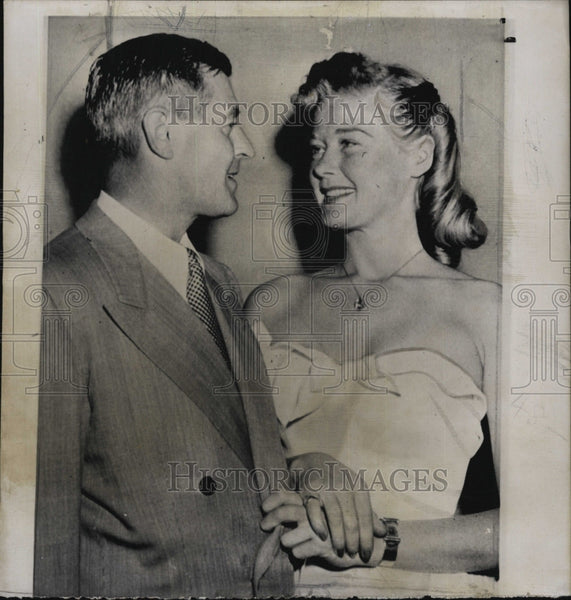 1950 Press Photo Actress Helen Walker & Edward Nicholas During Wedding - Historic Images