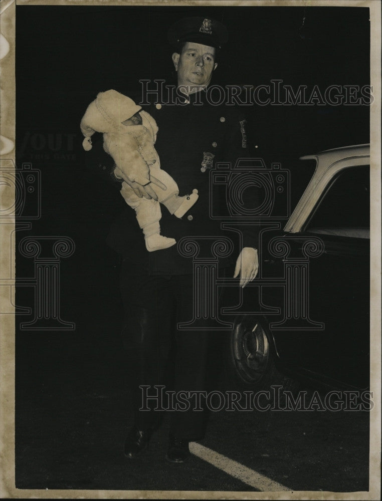 1962 Press Photo Officer James Dolan carries baby left on doorstep - Historic Images & 1962 Press Photo Officer James Dolan carries baby left on doorstep ...