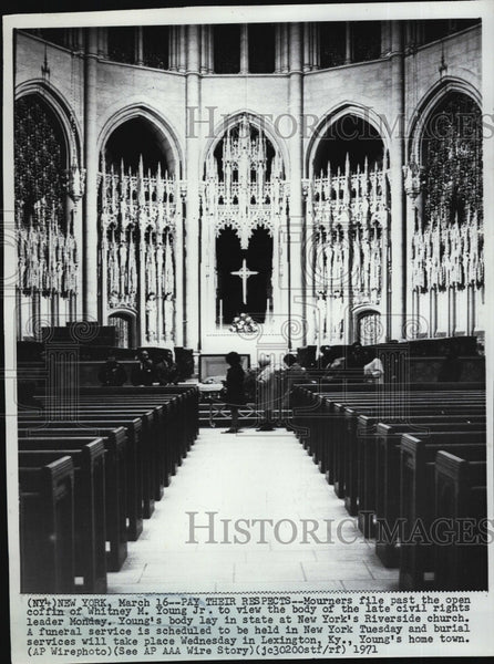 1971 Press Photo Funeral of civil rights leader WM Young at NY Riverside church - Historic Images