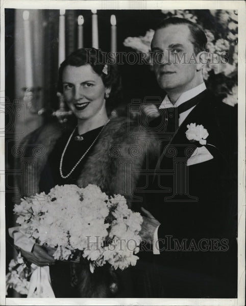 1941 Press Photo Dr Hjalmar J. Procope, Finnish Minister & wife - Historic Images