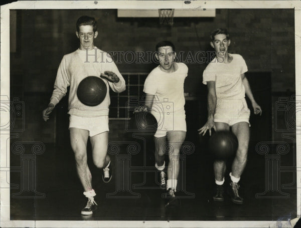 1940 Press Photo Harvard Basketballers Charles Lutz, Chet Legg, and Bill Webber - Historic Images