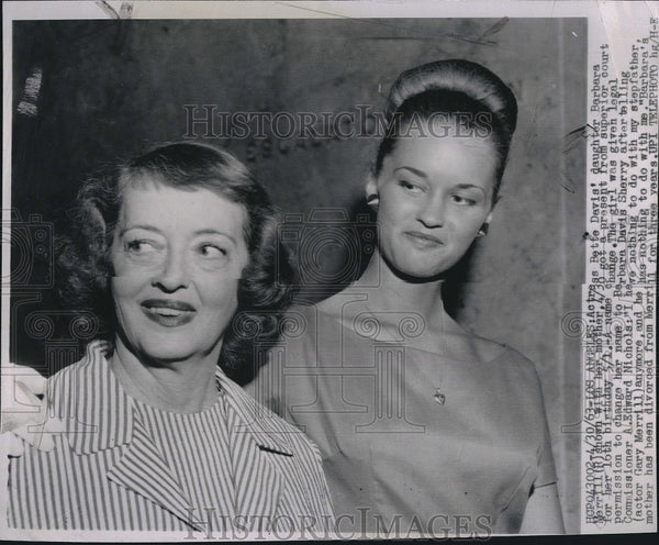 1963 Press Photo actress Bette Davis and daughter, Barbara Davis Sherry - Historic Images