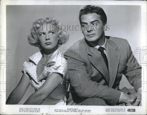 "1949 Press Photo Betty Hutton and Victor Mature in ""Red, Hot and Blue: - Historic Images"