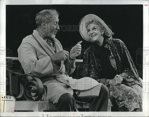 "1977 Press Photo Film ""Do You Turn Somersaults"" Mary Martin Anthony Quayle - Historic Images"