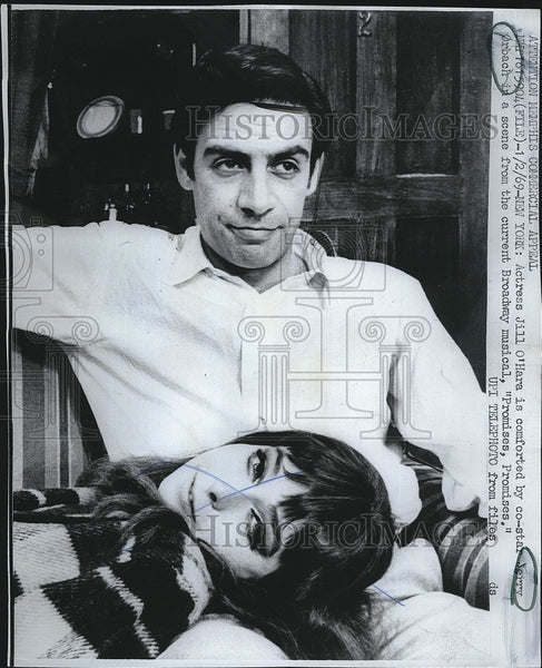 "1969 Press Photo Jill O'Hara, Jerry Orbach ""Promises, Promises"" - Historic Images"