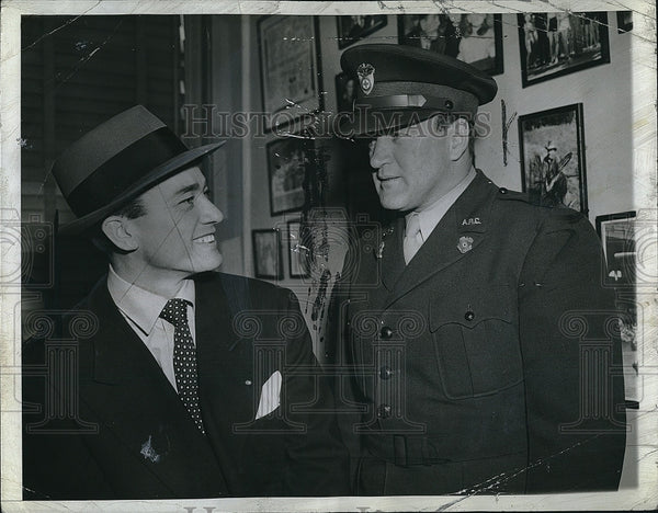 1942 Press Photo Joe Cronin & B Wagner - Historic Images