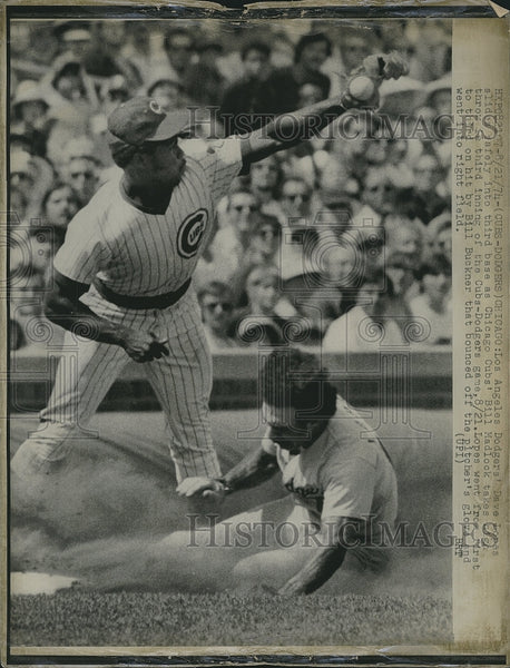 1974 Press Photo L.A. Dodgers Dave Lopes slides into Bill Madlock, Chicago Cubs. - Historic Images