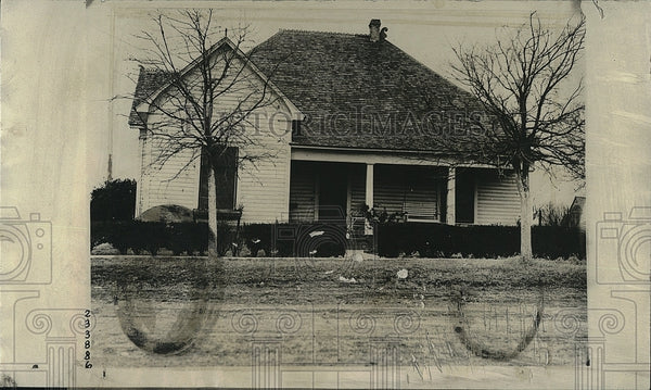 1924 Press Photo Outside View Of Lawson Home In Walnut Spring Texas - Historic Images