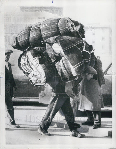 1956 Turk Back-Porter Carrying Loads Of Bedding Istanbul Turkey - Historic Images