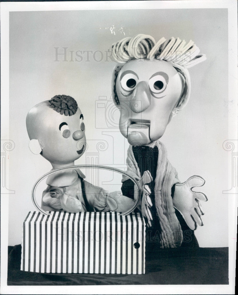 1965 George Latshaw Puppets Wilbur & Granny Press Photo - Historic Images