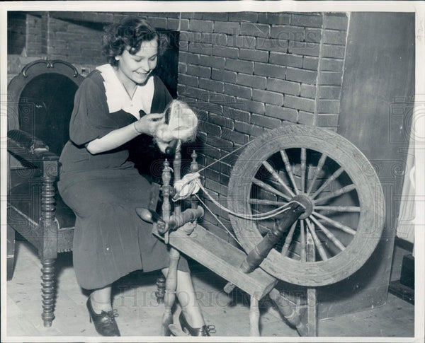 1935 Detroit Spinning Wheel Press Photo - Historic Images