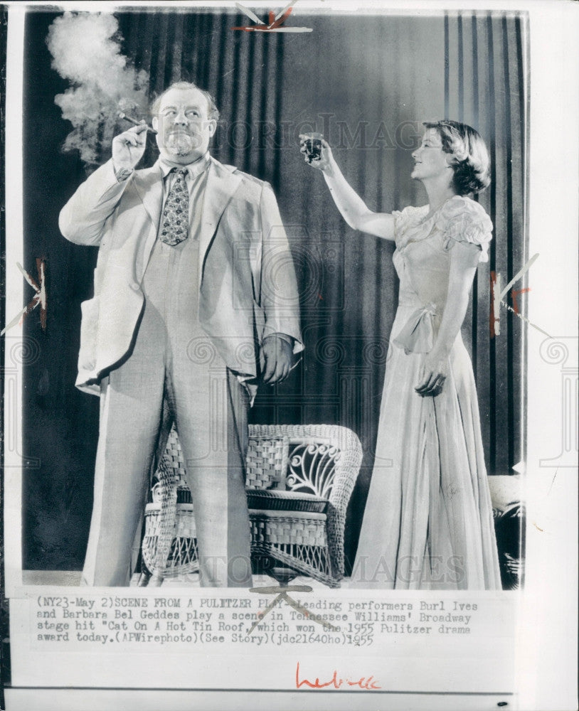 1955 Actors Burl Ives & Barbara Bel Geddes Press Photo - Historic Images