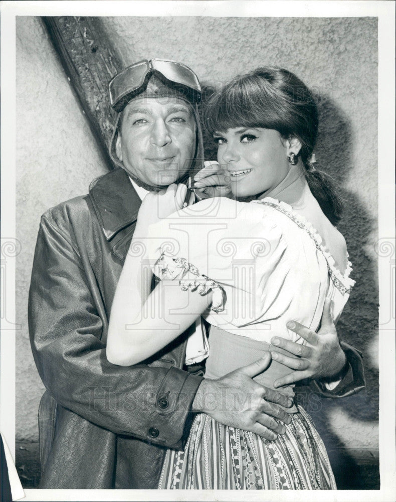 1965 Actors Nina Wayne & Leonard Stone Press Photo - Historic Images