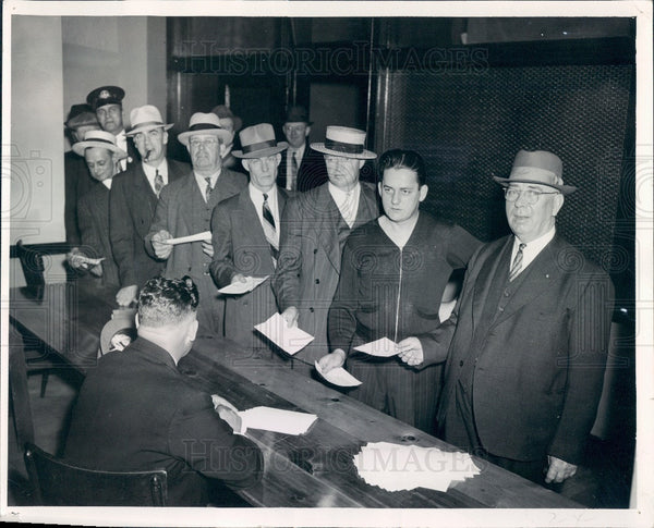1941 Chicago Illinois Street Car Men Press Photo - Historic Images