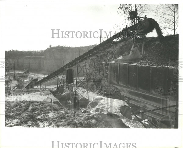 1979 Press Photo Alabama-Limestone being loaded at Trinity Quarry in Decatur. - Historic Images