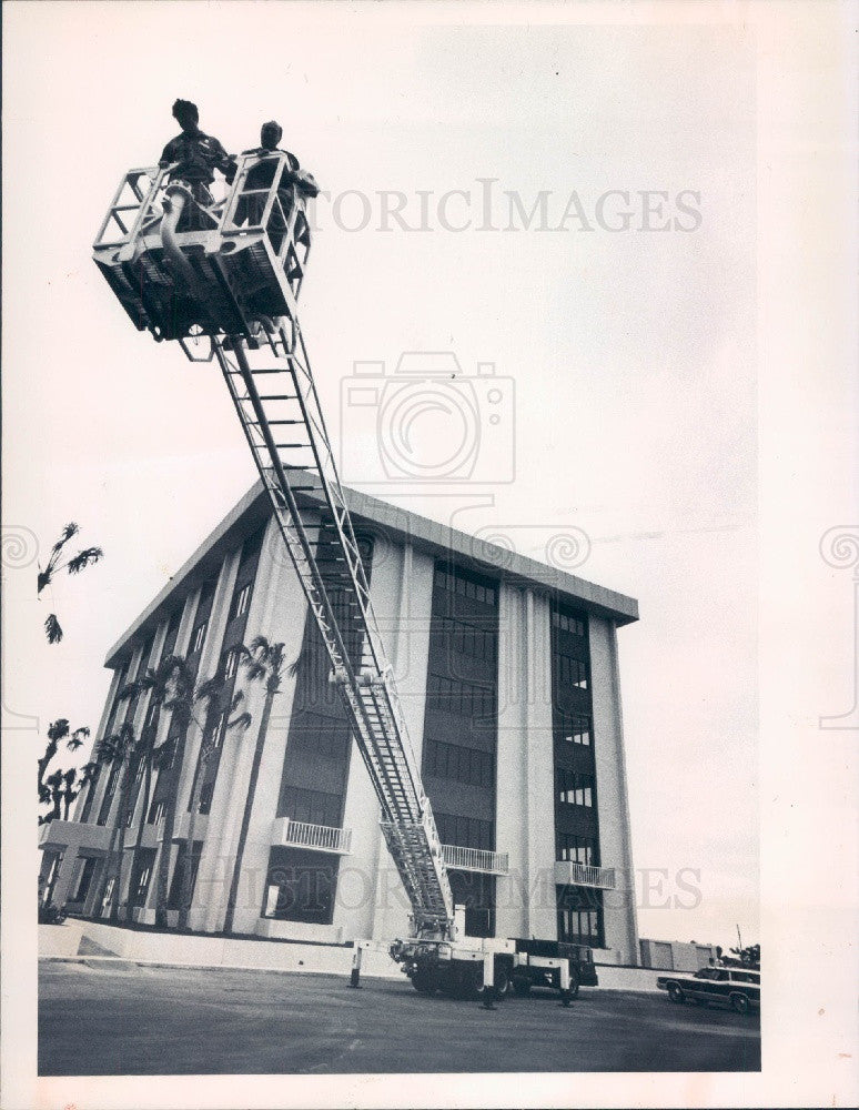 1976 SW Pasco County Florida Fire Dept Press Photo - Historic Images