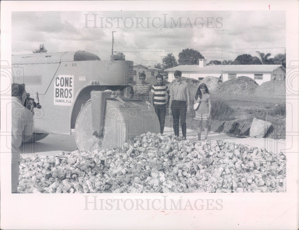 1970 Bradenton Florida Manatee Jr College Aluminum Cans Recycling Press Photo - Historic Images