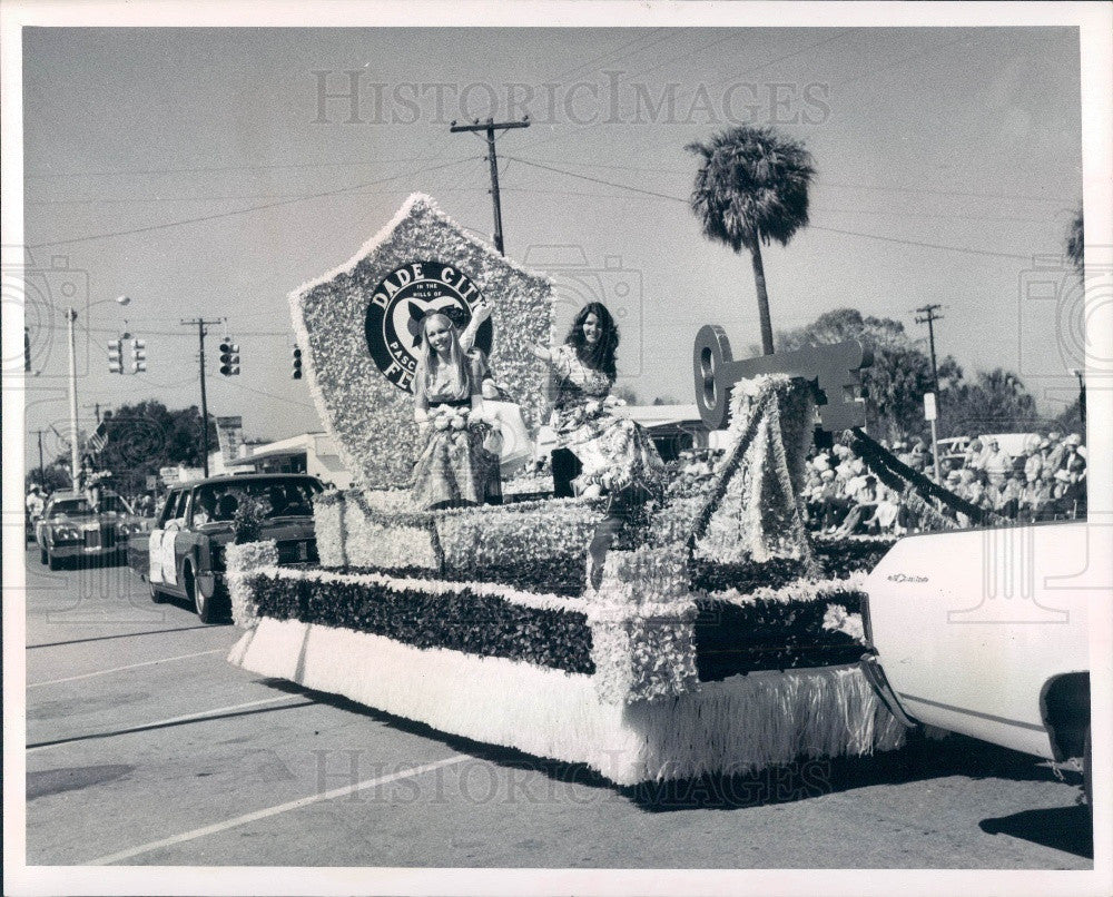 1972 Zephyrhills Florida Founders Day Parade Dade City Float Press Photo - Historic Images
