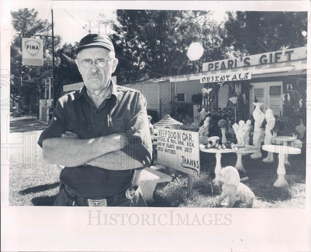 1973 Bithlo Florida Fina Gas Station Owner Walter Scott Press Photo - Historic Images