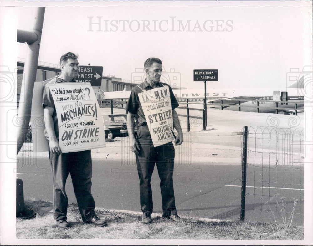 1966 New York Kennedy Intl Airport Northwest Airlines Strike Press Photo - Historic Images