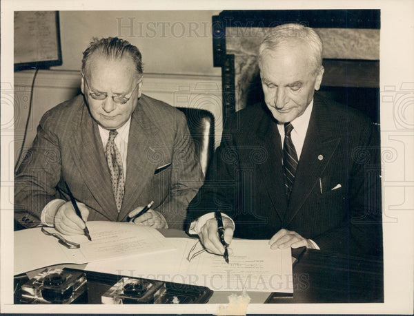 1942 World War II Signing Pact Between Russia & United States Press Photo - Historic Images