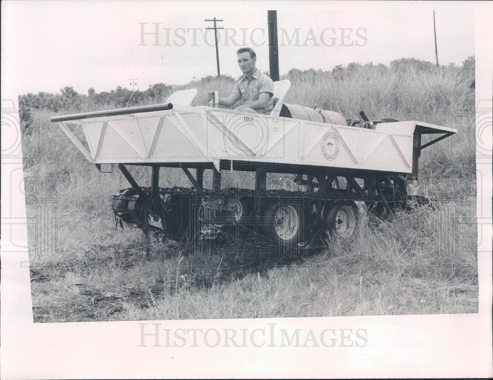 1967 Manatee Cnty Florida Anti-Mosquito District Amphibious Machine Press Photo - Historic Images