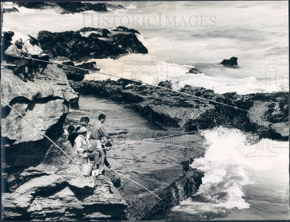 1975 Casablanca Morocco Surf Fishing Press Photo - Historic Images