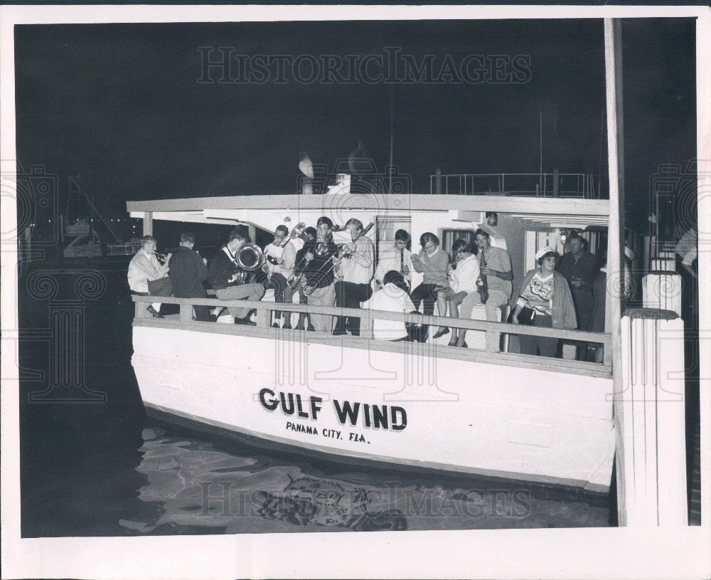 1967 Holiday Isles Florida Christmas Water Pageant Press Photo - Historic Images