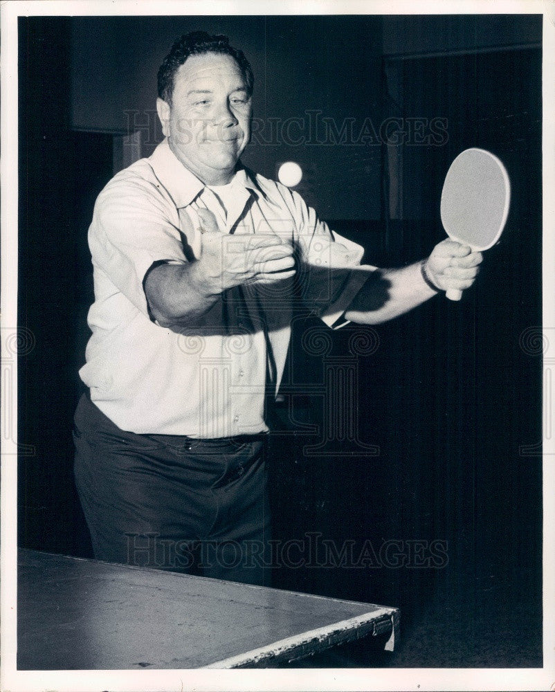 1974 Mr Ping Pong America Bill Shine Demonstrating Proper Serve Press Photo - Historic Images