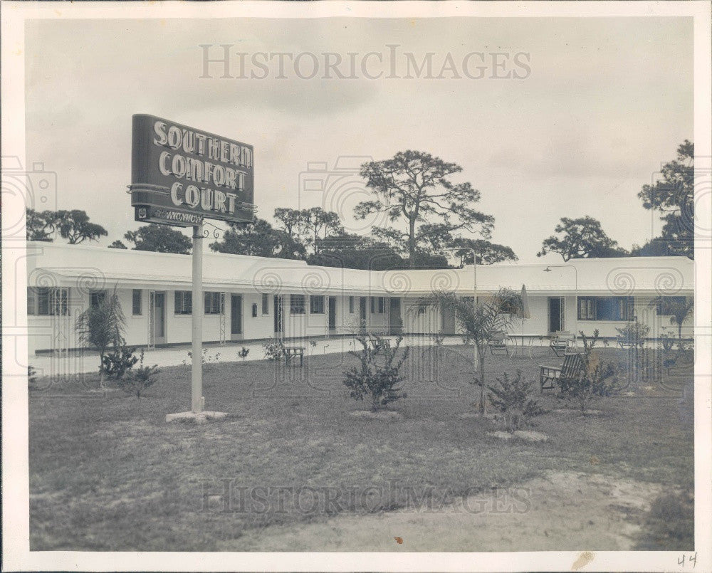 1949 St Petersburg Florida Southern Comfort Court Hotel 4th Street Press Photo - Historic Images