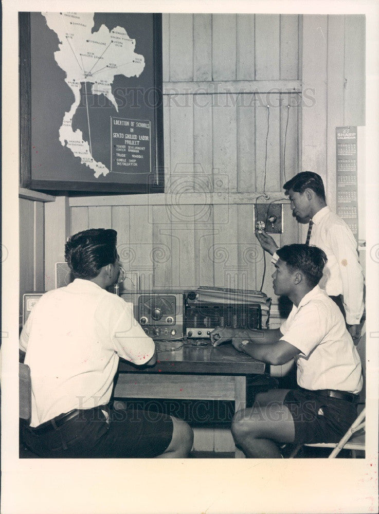1964 Bangkok China SEATO Vocational School Amateur Radio Training Press Photo - Historic Images
