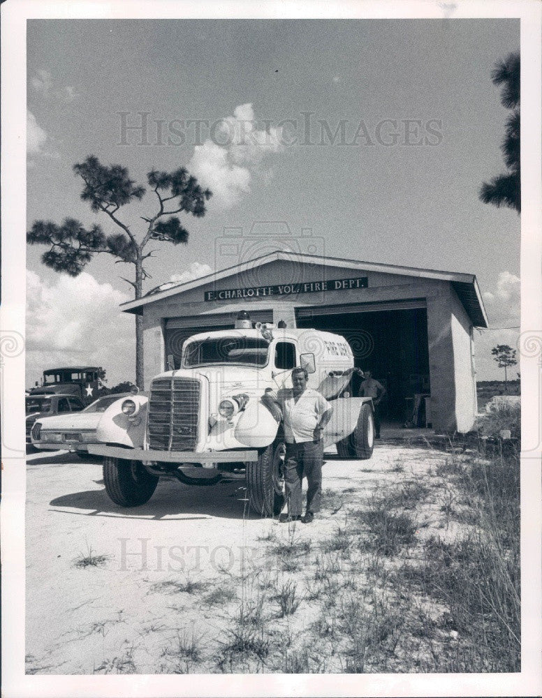 1972 E. Charlotte, Florida Vol Fire Dept Chief Colwell & Tanker Press Photo - Historic Images