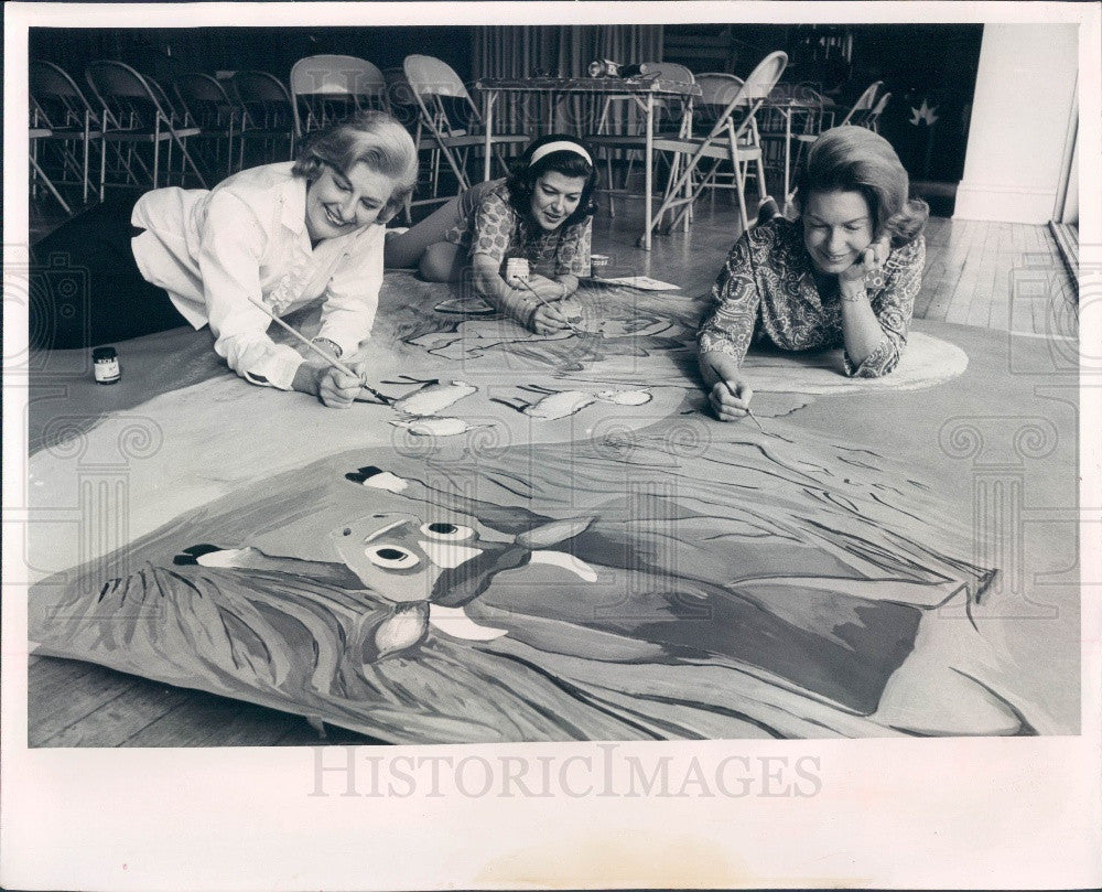 1965 St. Petersburg, Florida Charity Ball Decorations Committee Press Photo - Historic Images