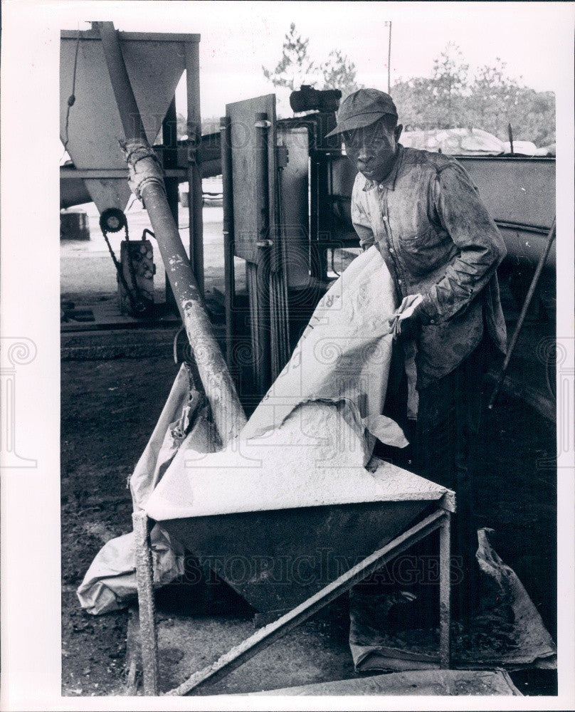 1963 Florida Pioneer Charcoal Company Press Photo - Historic Images