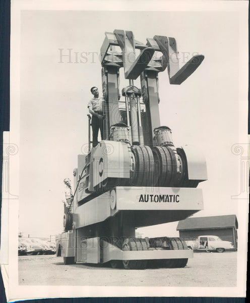 1955 Chicago, Illinois Automatic Transportation Co Giant Die Handler Press Photo - Historic Images