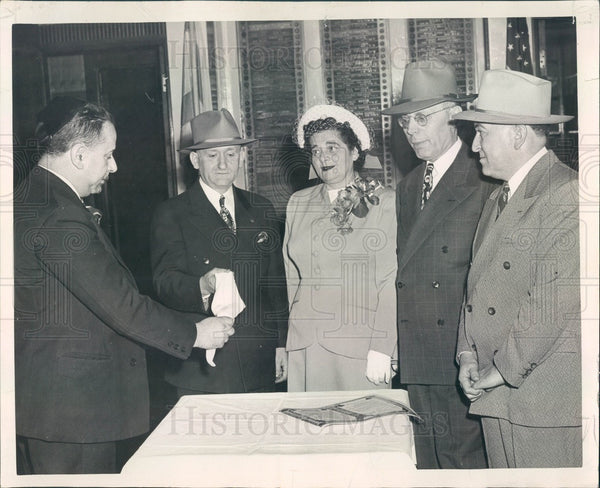1947 Chicago, Illinois Yiddish Poet Selig Hebler Wedding Custom Press Photo - Historic Images