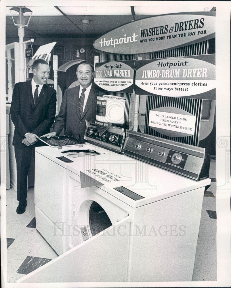 1969 Denver, CO Hotpoint Appliances & Salesmen Campbell & Curtis Press Photo - Historic Images