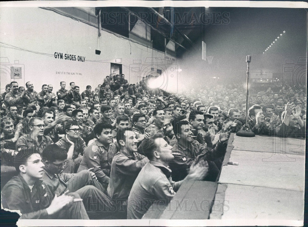 1968 Ft. Hood, Texas 1st Armored Division Troops in Chicago, IL Press Photo - Historic Images