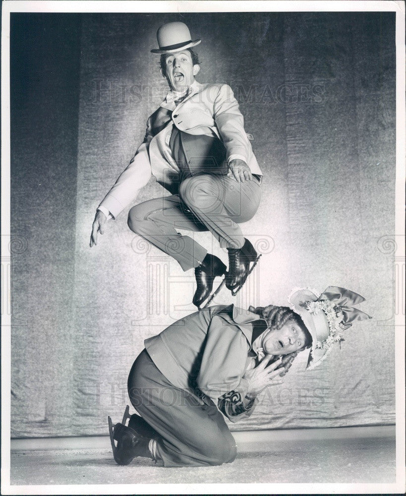 1957 Shipstad & Johnson Ice Follies Comedic Skaters Kermond Brothers Press Photo - Historic Images