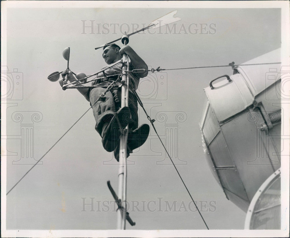 1953 Egmont Key, Florida Wind Gauge, Radioman Schatz Press Photo - Historic Images
