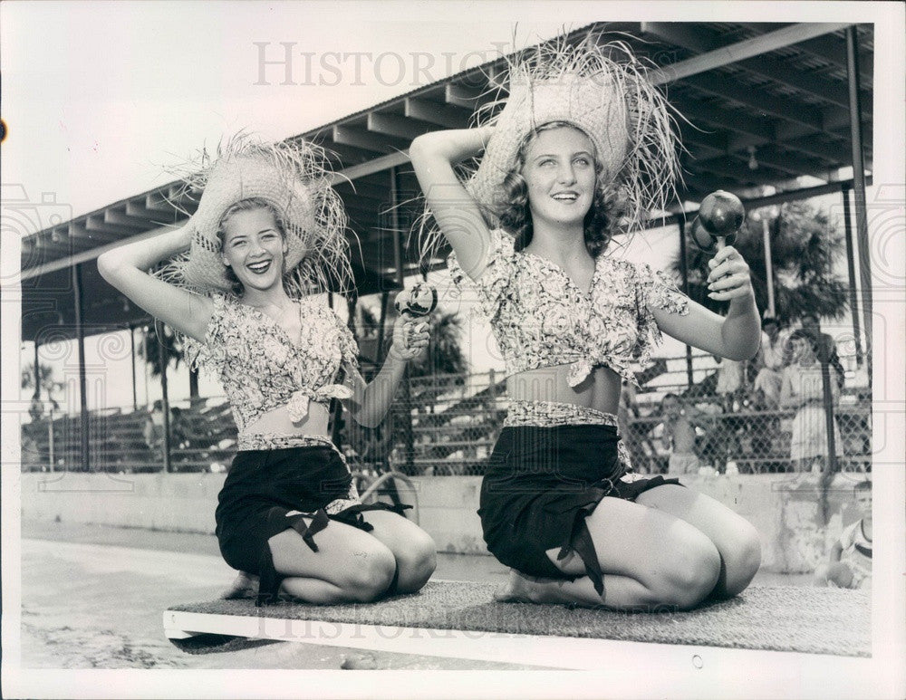 1957 St. Petersburg Florida Synchronized Swimmers The Aquabelles Press Photo - Historic Images