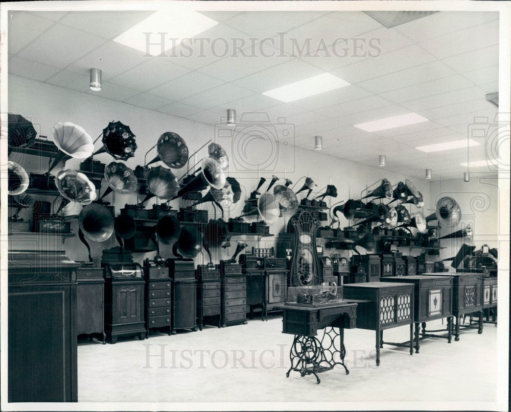 1966 Ft Myers, Florida Inventor Thomas Edison's Museum, Phonographs Press Photo - Historic Images