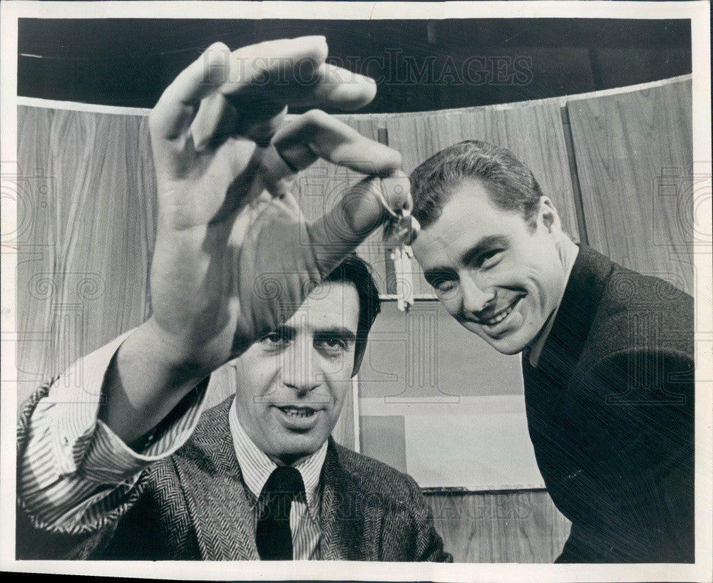1969 Actors Jerry Orbach & Edward Winter Press Photo - Historic Images