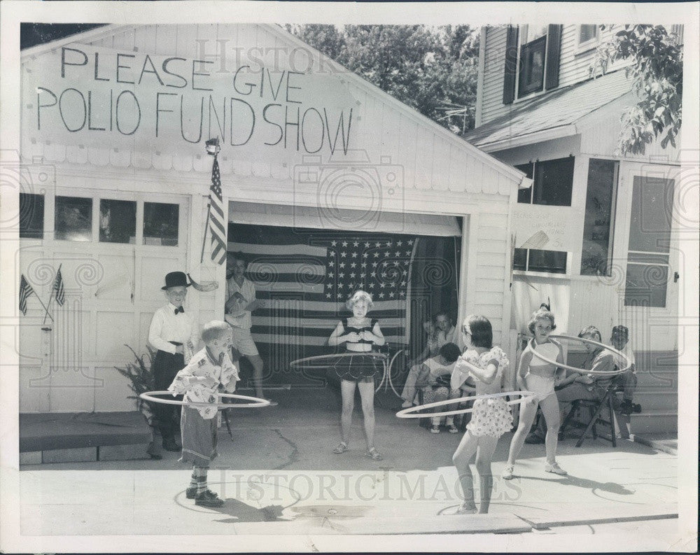 1959 Independence, Missouri Hula Hooping for Polio Fund Press Photo - Historic Images