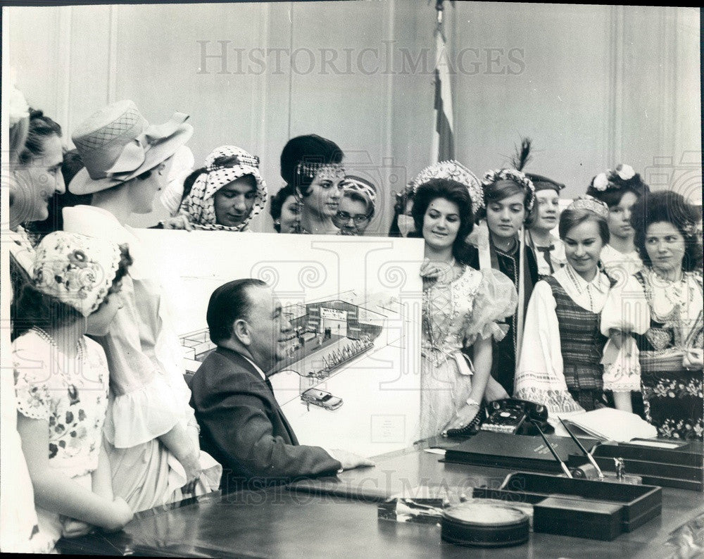 1963 Chicago, Illinois Holiday Folk Fair, Mayor Daley & Delegates Press Photo - Historic Images